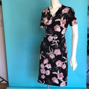 Dresses & Skirts - One size flower wrap dress